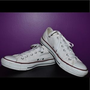 White low cut converse